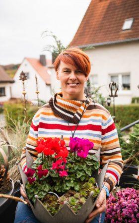 Handmacherin Sandra_Floralwerkstatt_Portait (3)
